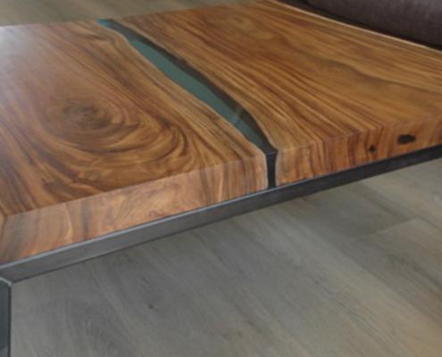 Riviertafel   suarhout met stalen frame